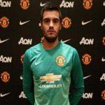 Manchester United sign Argentine goalkeeper Sergio Romero