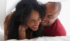 7 Signs That Shows She Loves You