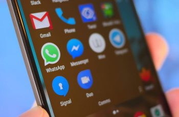 hide WhatsApp files from your gallery